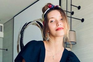 Подписчики Регины Тодоренко обсуждают ее новое фото в купальнике
