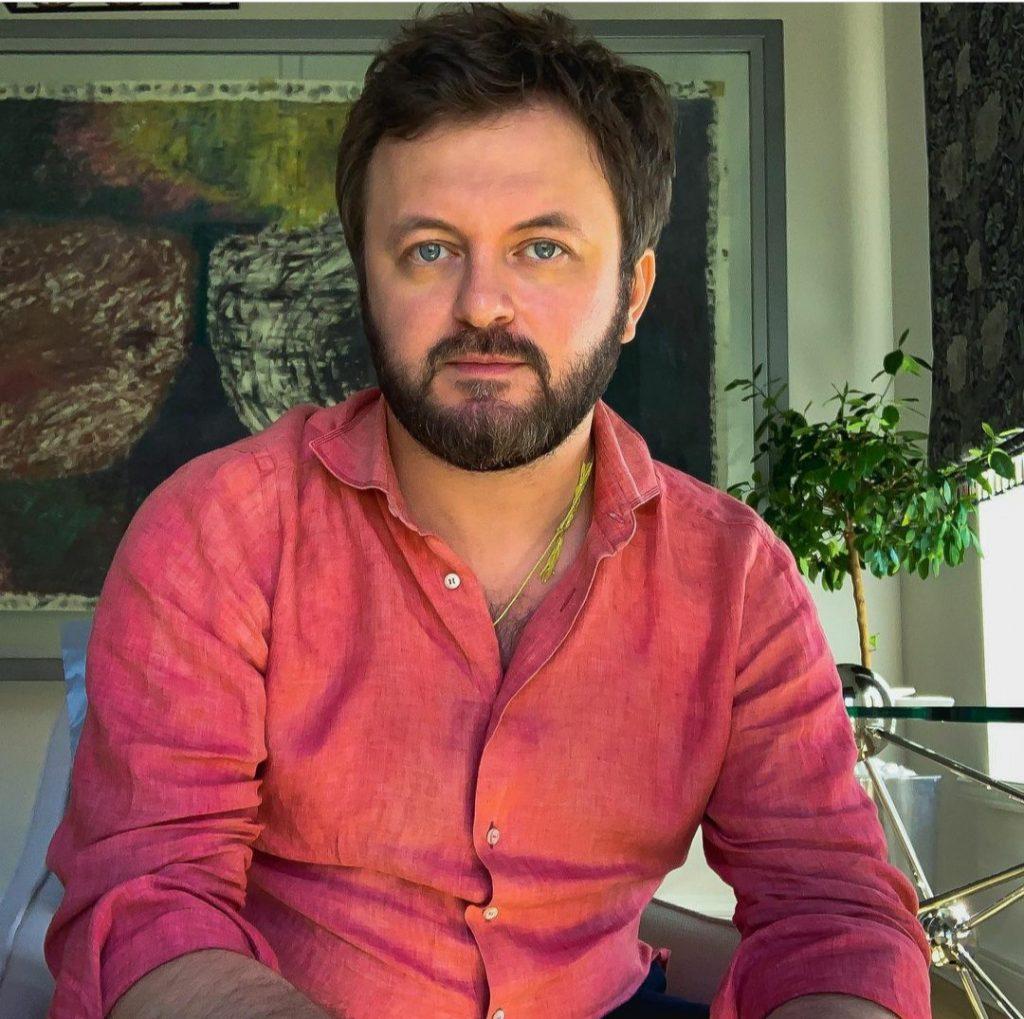 Популярный певец украинского шоу-бизнеса разводится с женой