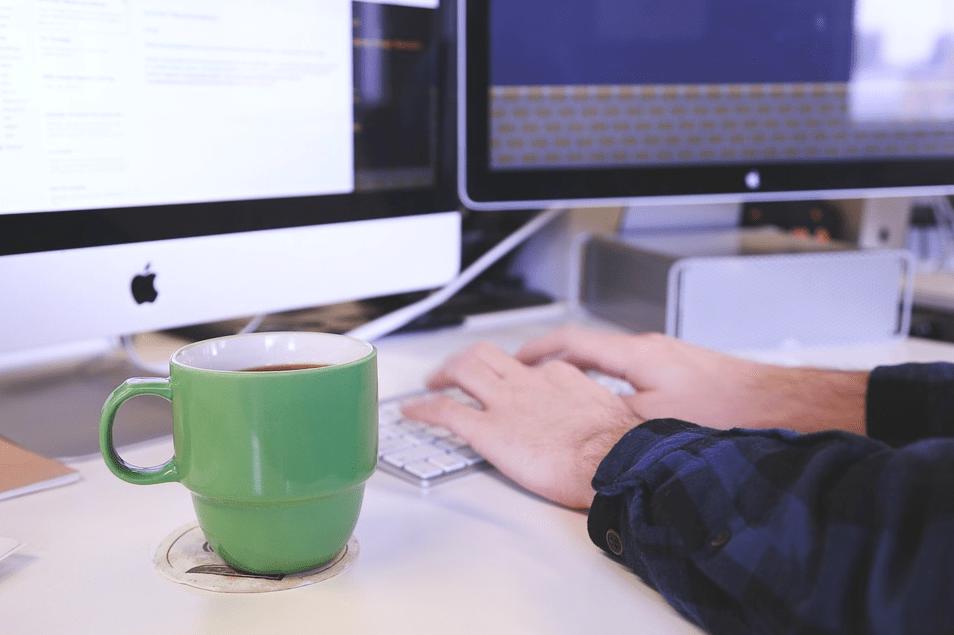 4 причины, почему вам стало скучно на работе и что с этим делать