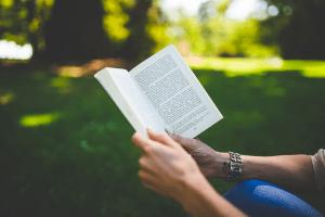3 лучшие книги, которые помогут справиться со стрессом и тревогой