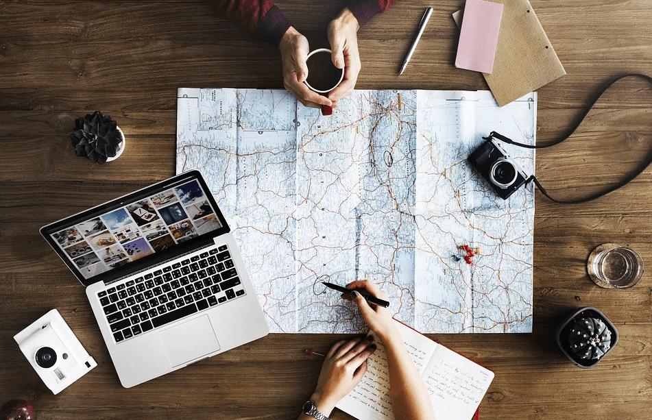 4 востребованные профессии, которые дают возможность много путешествовать