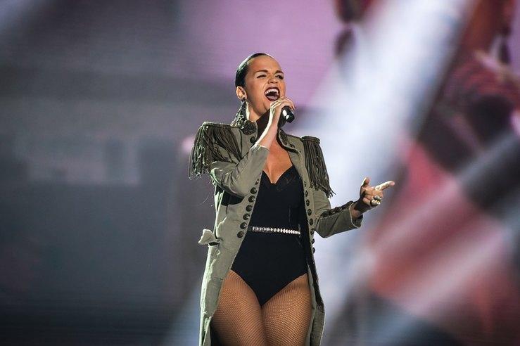 Total white look: певица Слава покорила стильным образом