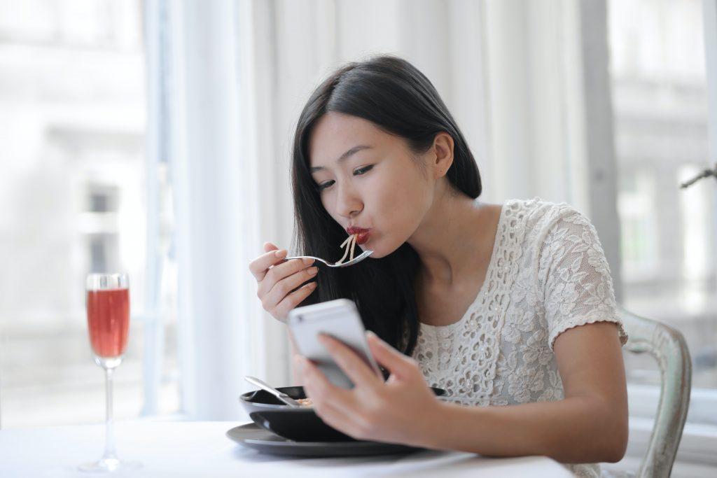 Что такое интуитивное питание и помогает ли оно похудеть?