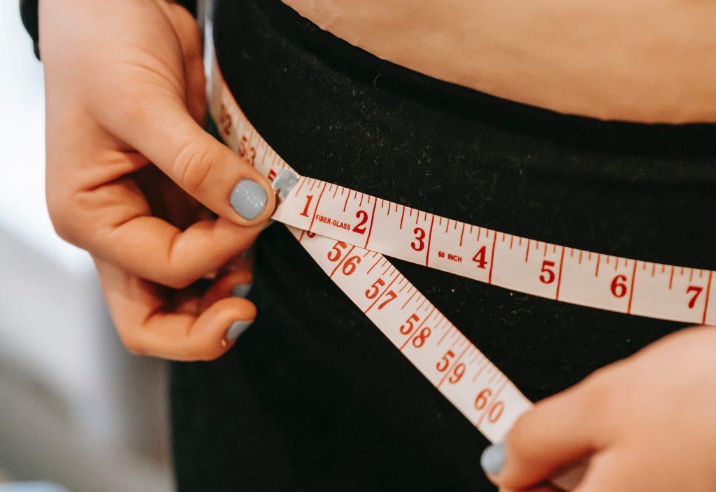 Простые способы отслеживать свой прогресс похудения, помимо весов