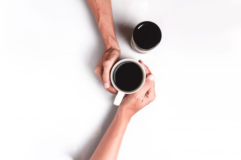 Побочные эффекты от кофе, о которых мало слышали: паническая атака и не только