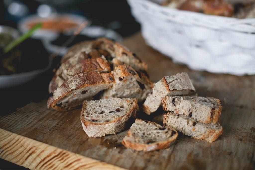 Как есть хлеб и худеть? Диетолог рассказал об одном простом секрете