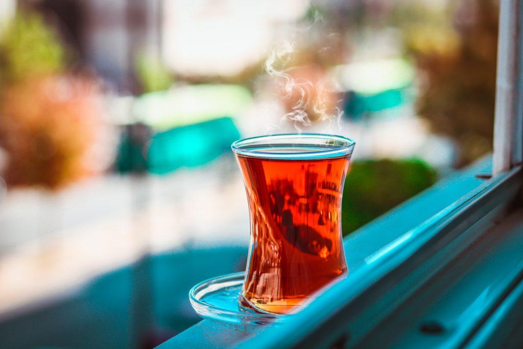 Вкусный чай, который нужно пить 2 раза в день, чтобы ускорить сжигание жира