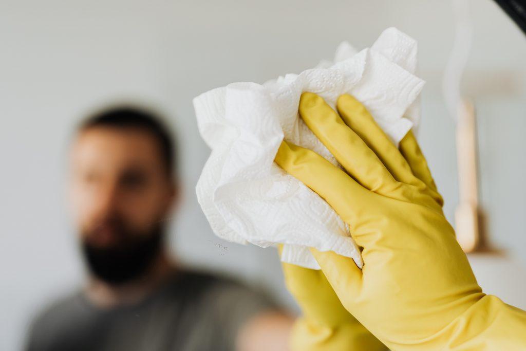 3 вещи, которые нельзя делать с бумажными полотенцами