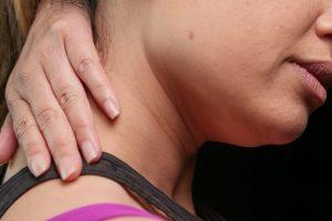 3 лучших упражнения против боли в шее, по мнению физиотерапевта