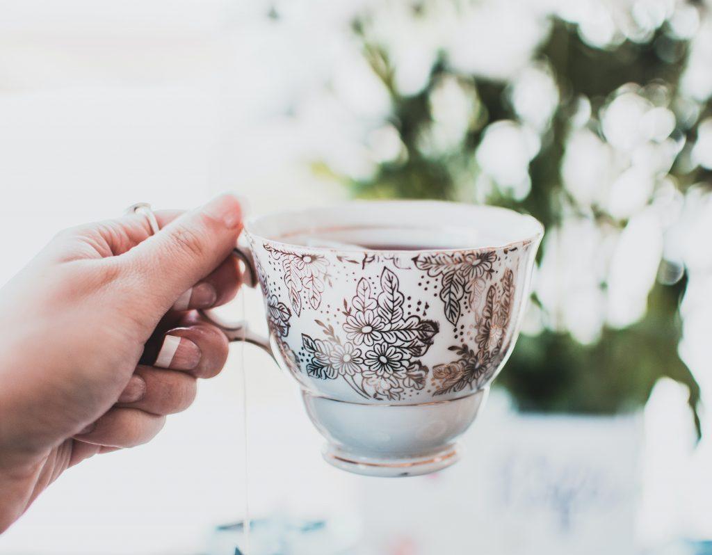 Что именно произойдёт с организмом, если человек перейдёт с кофе на чай
