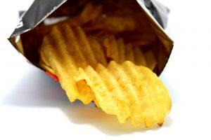 Неожиданные вещи, которые произойдут, если съесть всего один пакетик чипсов