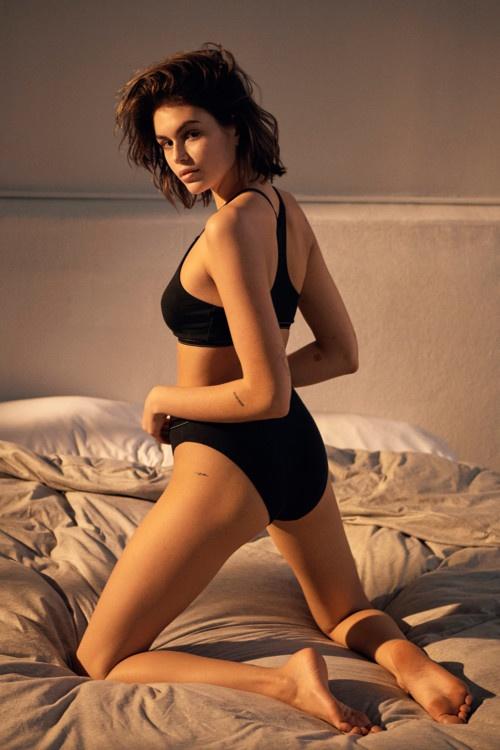 Кайя Гербер снялась в чувственном кампейне от Calvin Klein