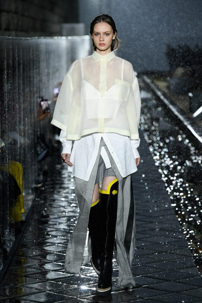Прозрачные блузки: как и зачем носить соблазнительный тренд этого сезона