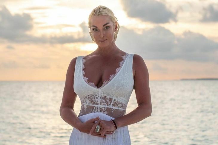 Анастасия Волочкова наконец-то покажет лицо возлюбленного