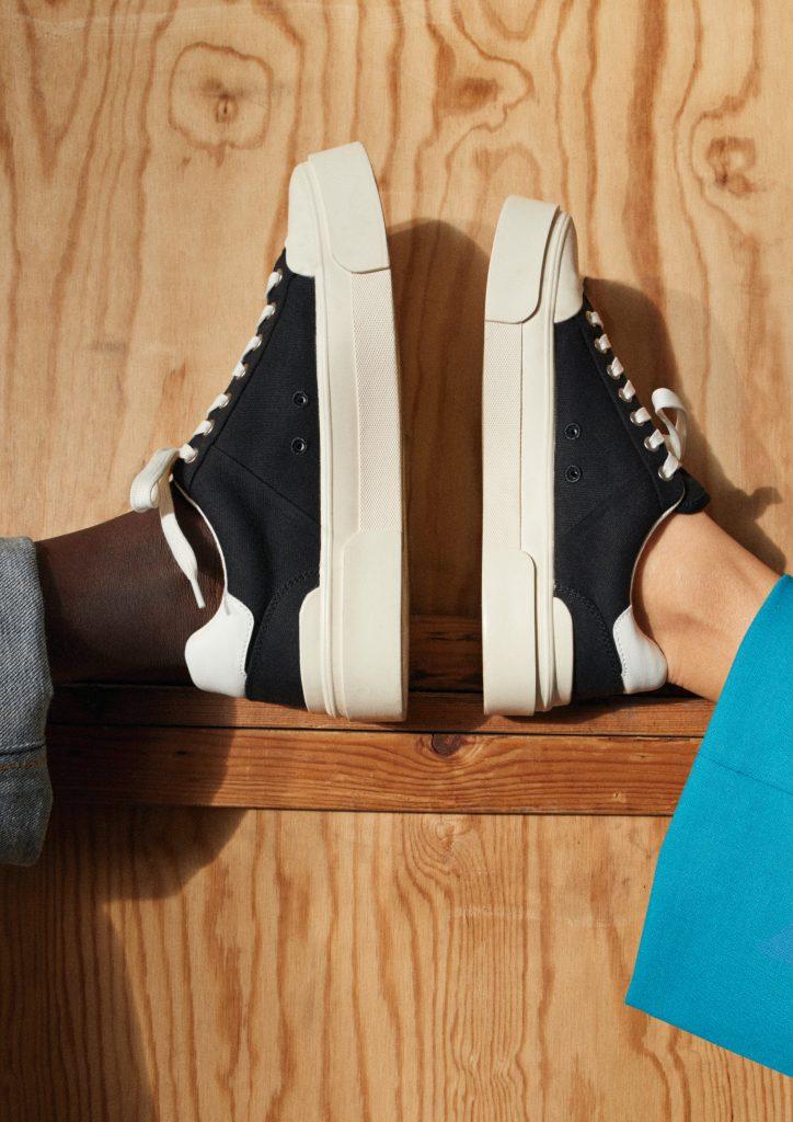 Экологичный запуск: H&M представляют кроссовки из фруктов