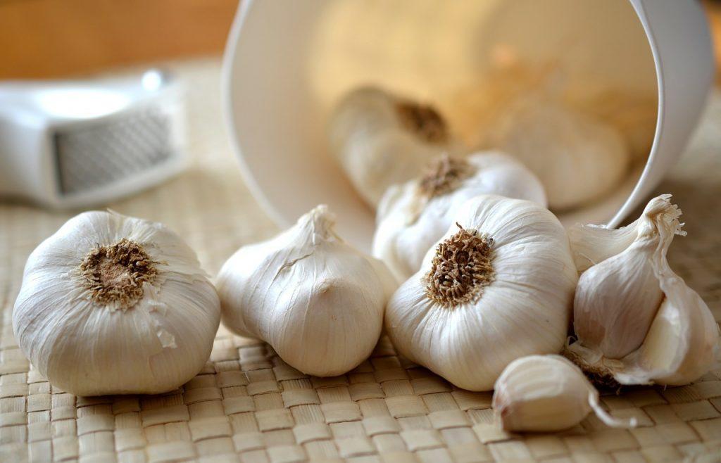 Что сделать с чесноком и мёдом, чтобы ускорить метаболизм и потерю веса