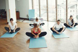 4 эффективные растяжки для бёдер, которые нужны тем, кто много сидит
