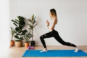 Приседания или выпады: какое упражнение быстрее прокачает ваши ягодицы?