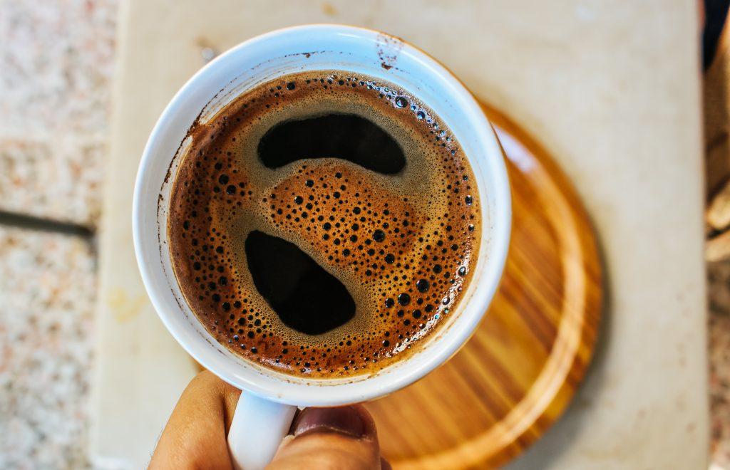 Странная вещь, которую вы не добавляли в кофе (а зря, по словам эксперта)