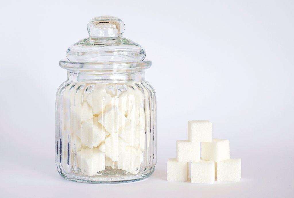 Искусственные подсластители или сахар: что больше вредит организму?