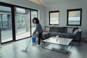 И уборка, и тренировка: какие задачи по дому сжигают жир в области живота