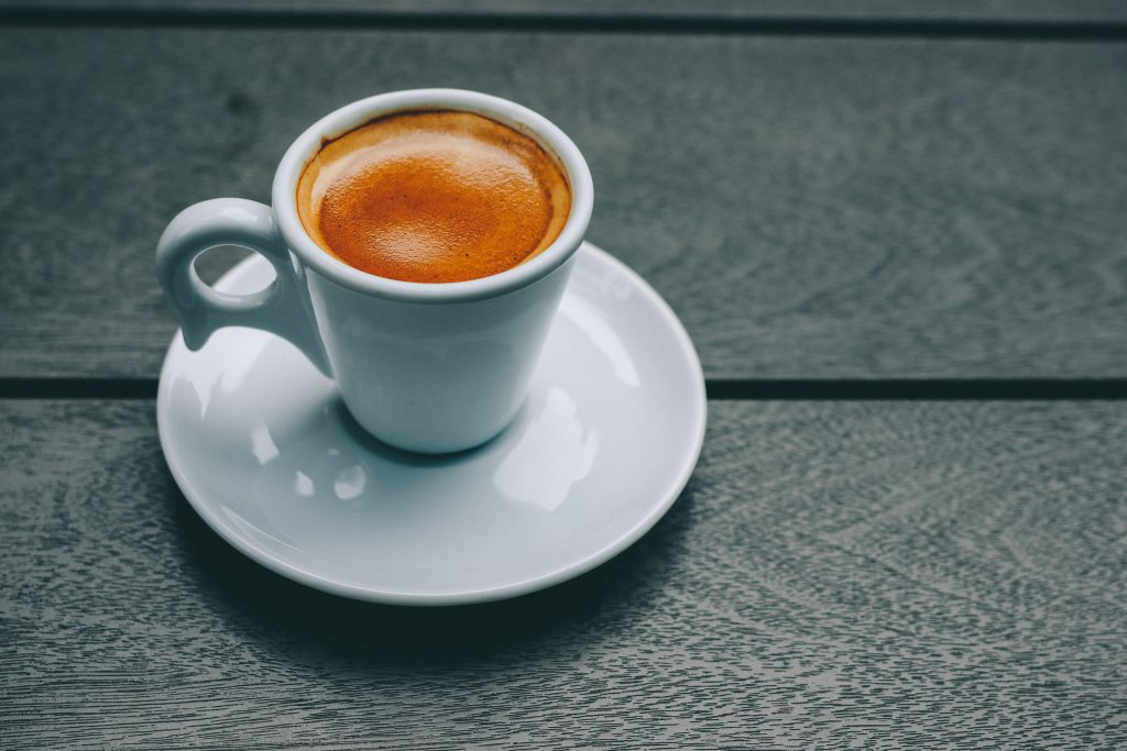 5 симптомов, которыми ваше тело намекает, что вы пьёте много кофеина