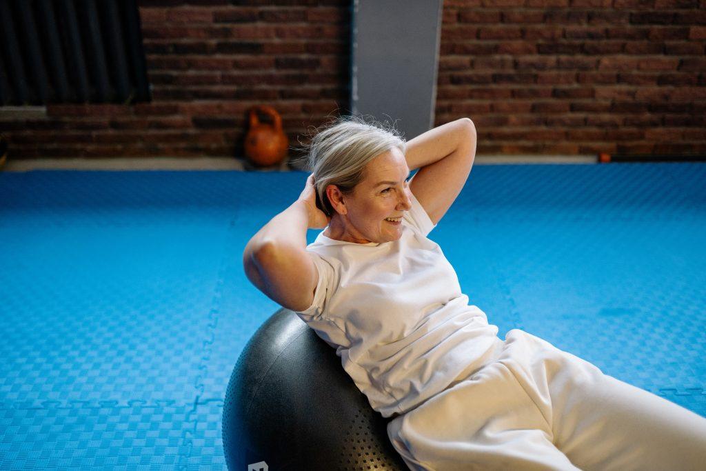 Основная причина набора веса во время менопаузы и как с ней бороться