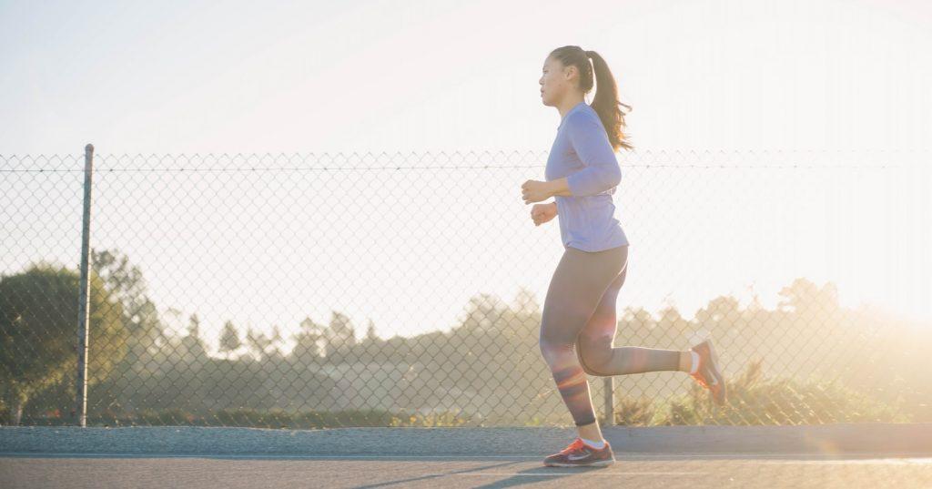 Безопасно ли тренироваться на пустой желудок? Мнение тренера