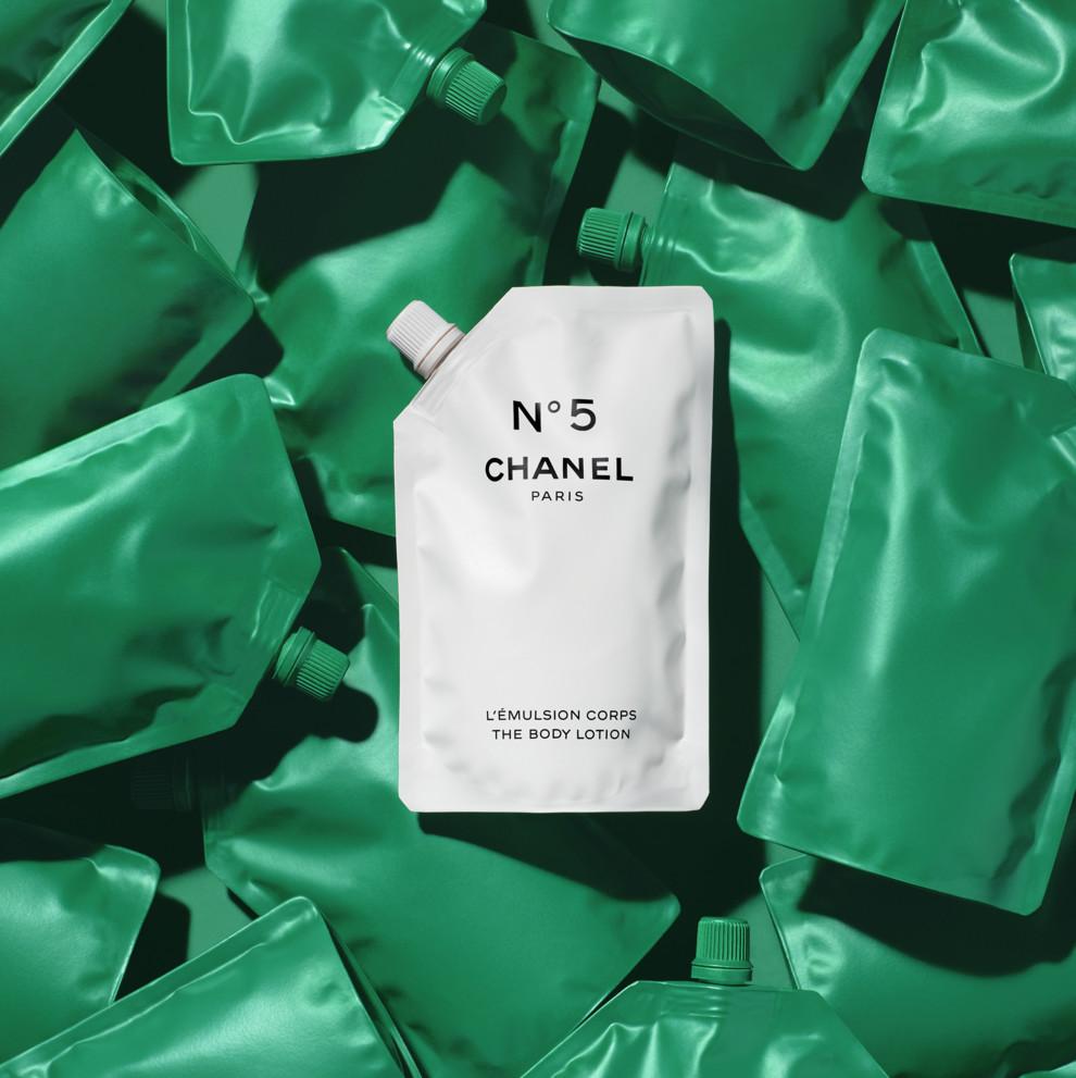 100-летие парфюма: Chanel выпустили свой фирменный аромат в новых упаковках