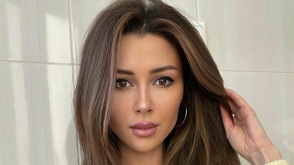 Анна Заворотнюк сменила цвет волос