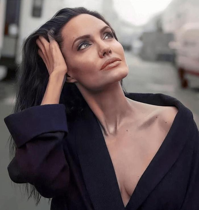 Вот это поворот: Анджелина Джоли провела романтический вечер в доме бывшего мужа