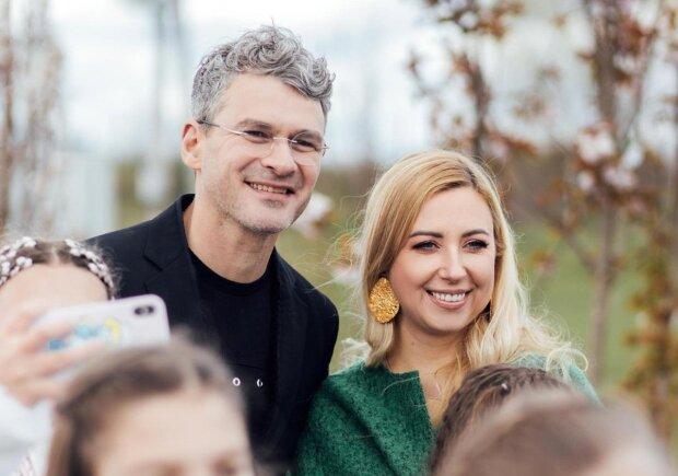 Тоня Матвиенко и Арсен Мирзоян украсили обложку свежего номера «Отдохни»
