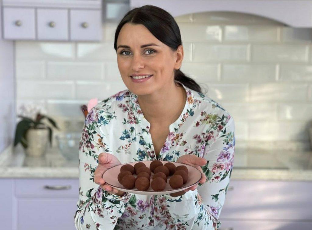 Лиза Глинская поделилась рецептом полезных конфет без сахара