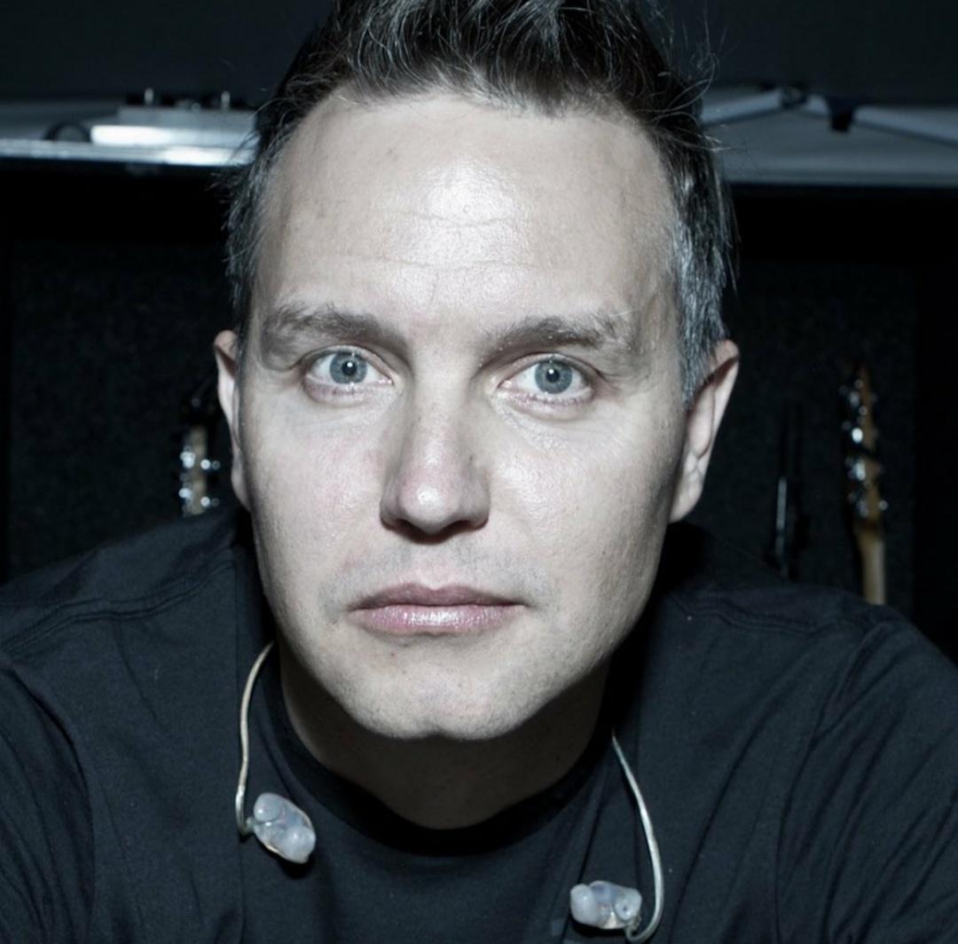 Фронтмен группы Blink-182 ошеломил печальной новостью