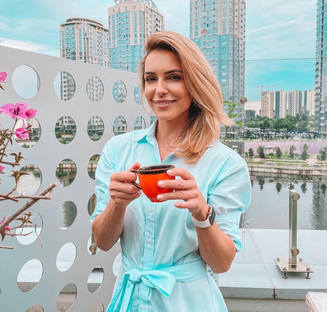 Почему обычное молоко не можно заменить растительным - рассказала Марина Узелкова