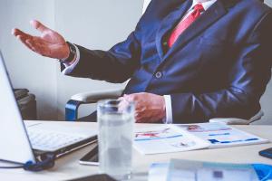 4 вопроса, которые нельзя задавать начальнику, если хотите остаться на работе