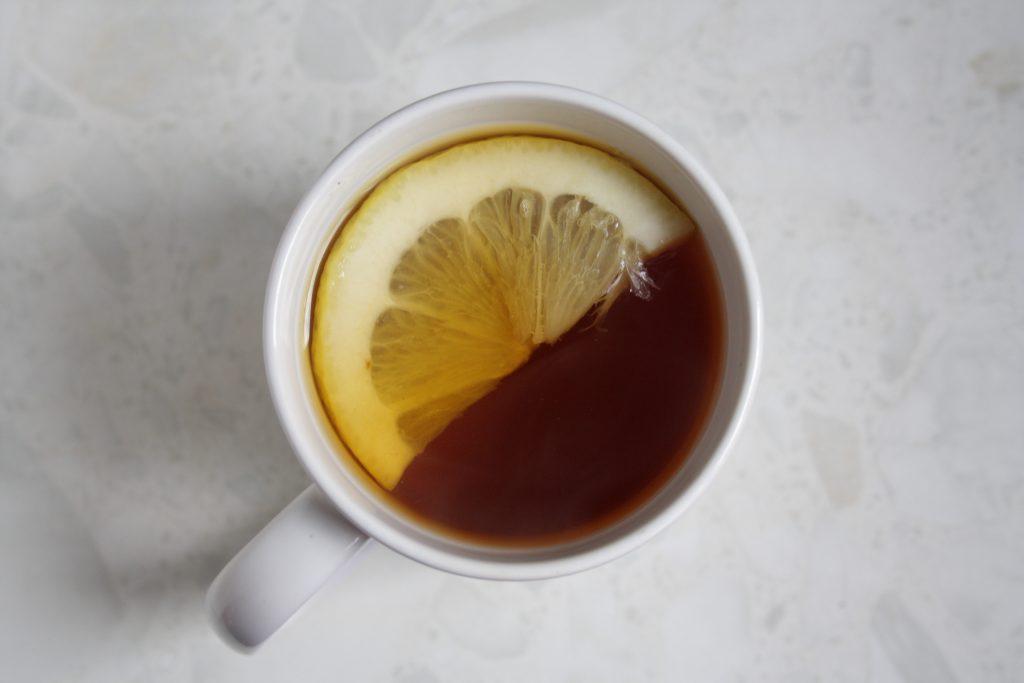 Неожиданные продукты, которые нельзя сочетать с чаем, как бы ни хотелось