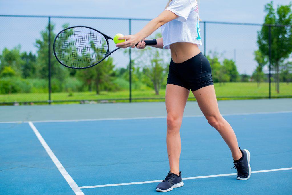 Сколько можно сжечь калорий во время игры в теннис?