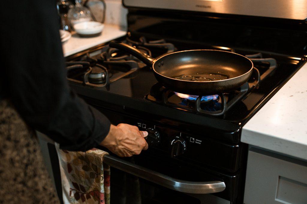 Единственное, чего нельзя делать со сковородой после готовки