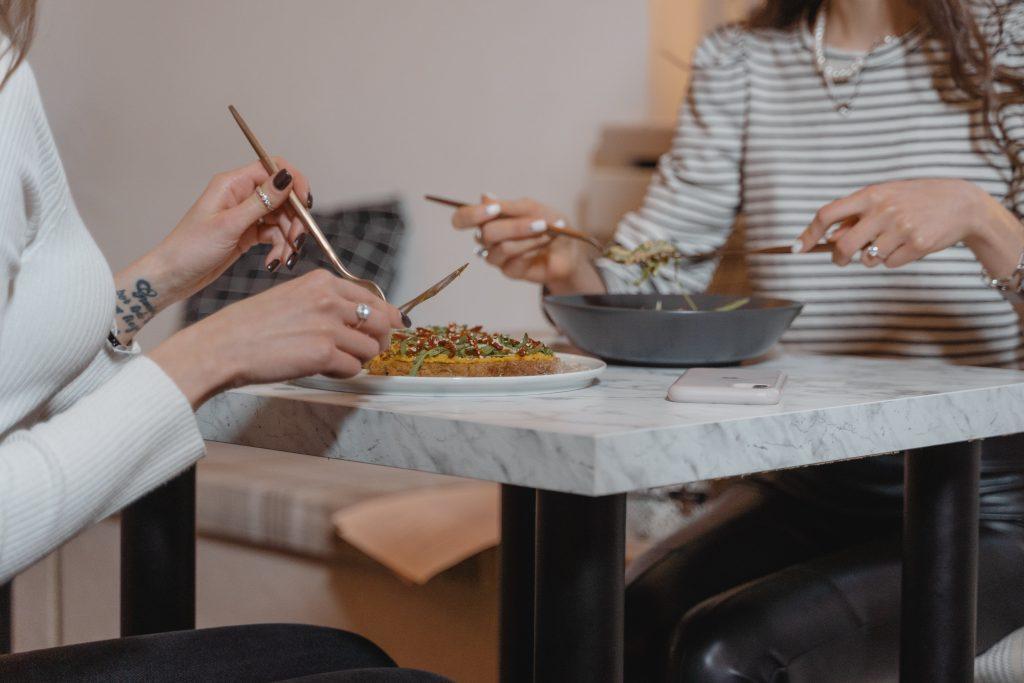 Продукты, которые часто перестают есть из-за диеты, чего нельзя допускать