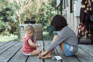 Почему нельзя заставлять детей извиняться, по словам психологов