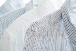 Как вернуть белый цвет пожелтевшей одежде без помощи белизны