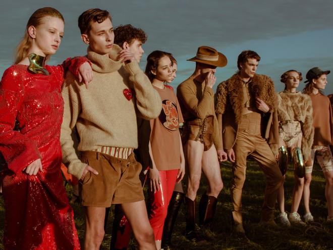 Новый этап: Жан Грицфельдт показал новую линейку на Неделе моды во Франкфурте