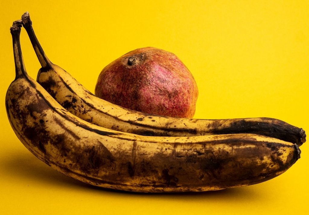 Насколько плохо случайно или даже специально съесть переспелый банан?