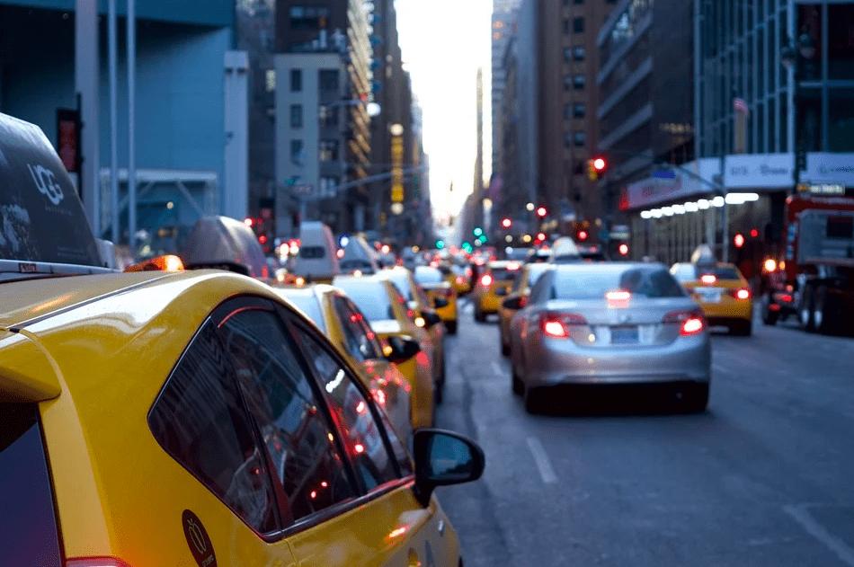 3 способа, как с пользой провести время по пути на работу
