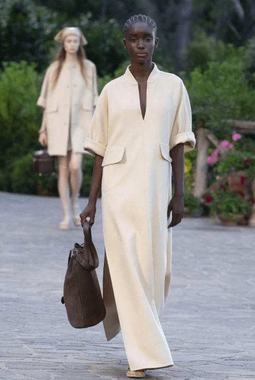 Мечта путешественника: что показали Max Mara в коллекции Resort 2022