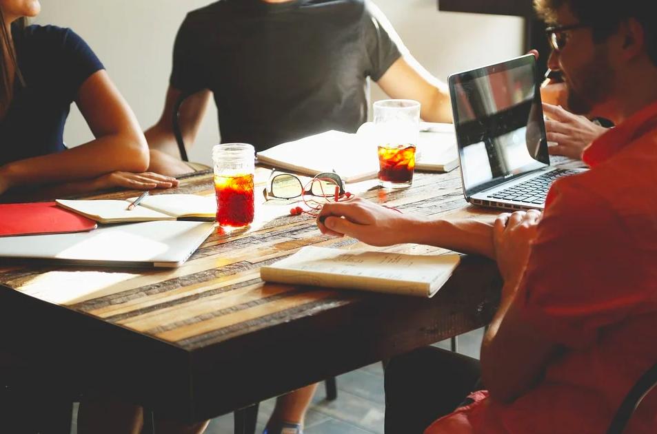 3 совета, о чем говорить с коллегами во время перерыва
