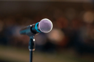 3 совета, как вызвать интерес слушателей и научиться выступать перед публикой