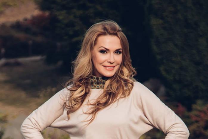 54-летняя Ольга Сумская показала себя 16-летнюю