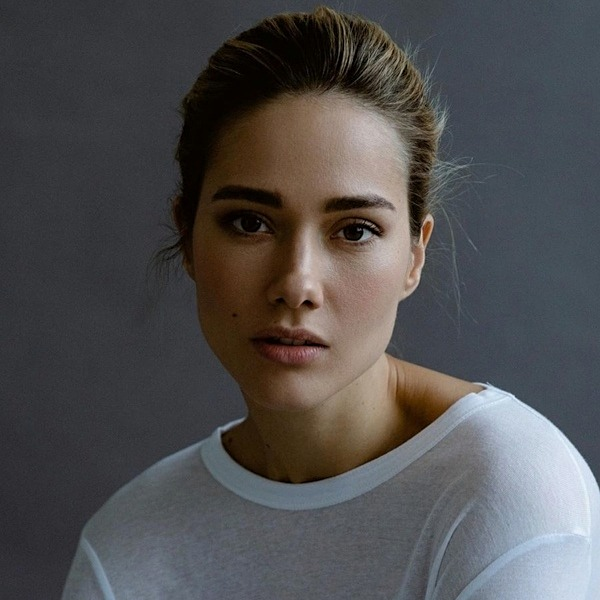 Юлия Паршута стала лицом коллекции Glam Team бренда косметики Faberlic